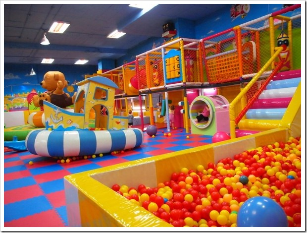 Indoor play place in chiang mai living outside of the for Cheap indoor play areas