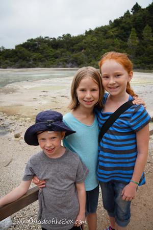 Wai-o-Tapu Rotorua with kids New Zealand-09