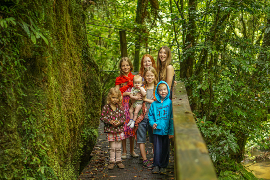 mangapohue-natural-bridge-hike-with-kids-09221
